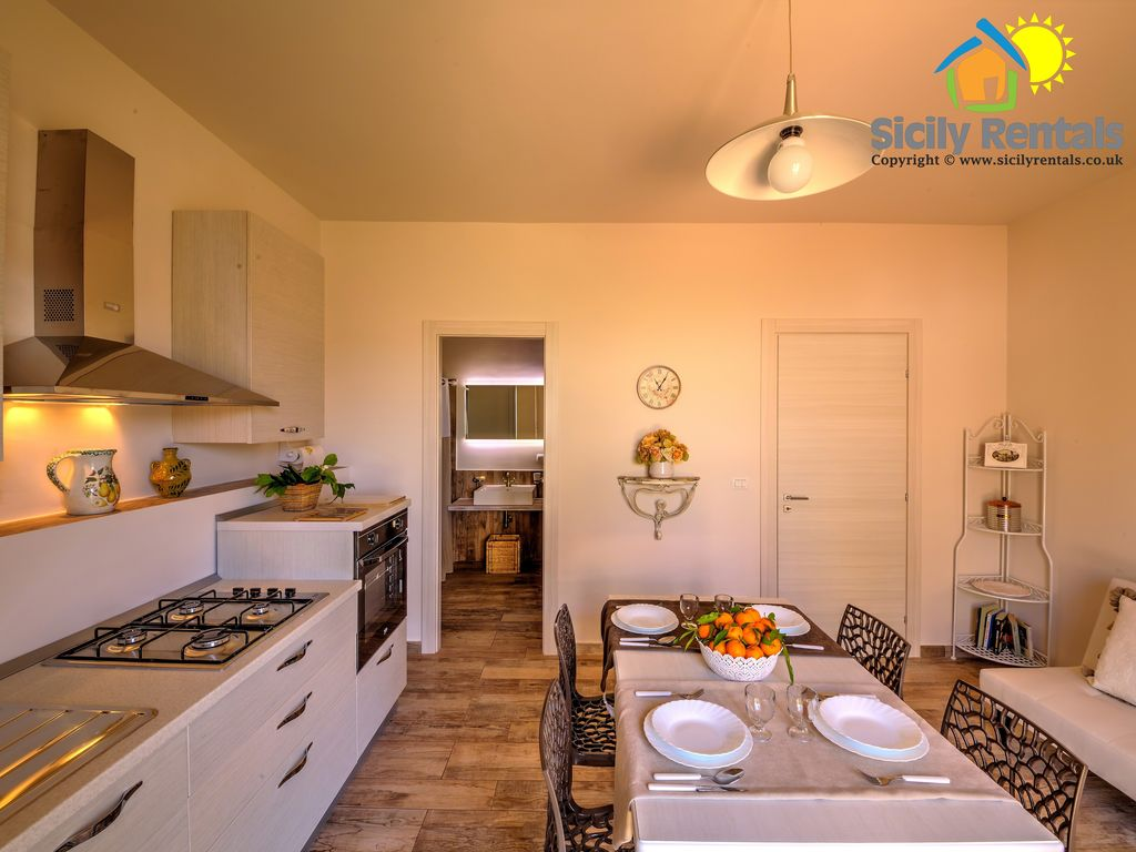 Beautiful Apartment With Big Outdoor Space Few Steps From The Beach Eraclea Minoa Sicily