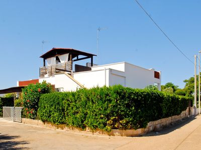 Photo for Spacious detached villa with sea view, located in Marina di Posto Rosso.