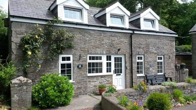 Photo for Courtyard cottage with extensive private grounds and free WiFi