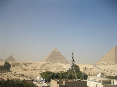 Photo for Three bedroom apartment with pyramids view roof