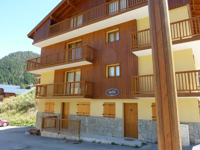 Photo for Two bedroom apartment in 3* Chalet, nr piste, in the Ski resort of Valfrejus
