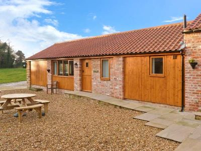 Photo for CALF HOUSE, family friendly, with a garden in Thirsk, Ref 15032