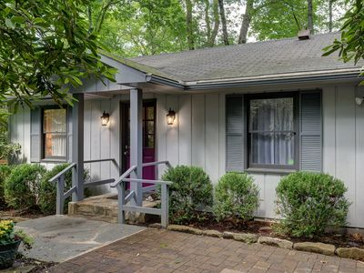 Photo for Charming Walk-To-Town 2 Bedroom 1 Bath Guest Cottage With Private Access