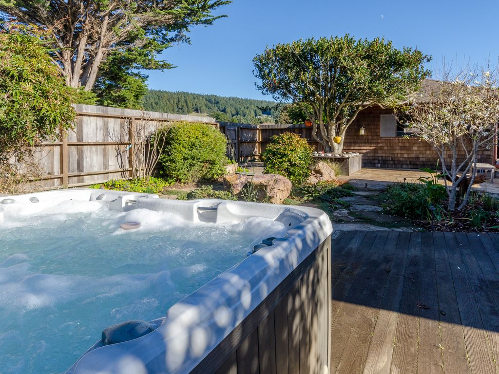Oceanfront home w/ private hot tub & deck, ... - VRBO
