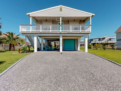 Photo for NEW LISTING! Bright beach house with deck w/community pool and park!
