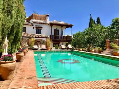 Photo for Luxury mansion with Alhambra views and pool