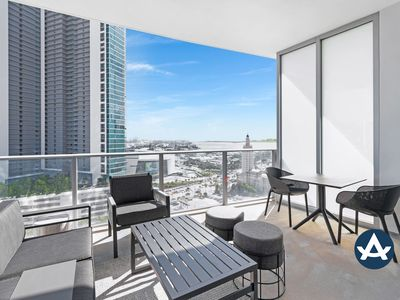 Photo for Sextant | Downtown High Rise #2 | 10 mins to South Beach