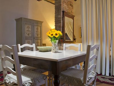 Photo for Bright and intimate, on the Tuscan hills between Siena, San Gimignano and Volterra