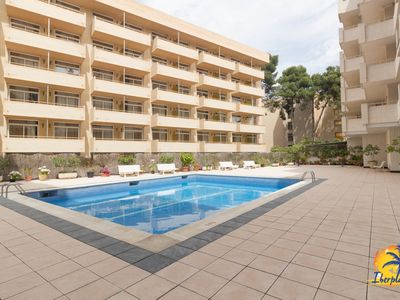 Photo for Nice apartment 6 pax with A / C and pool in Salou.