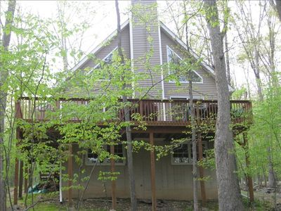 Back of House/Deck (with BBQ & Patio Set (seating for 6)