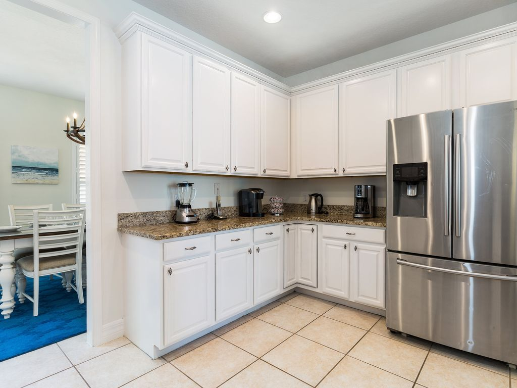 Large Outdoor Summer Kitchen, Only 2 Miles To Disney World
