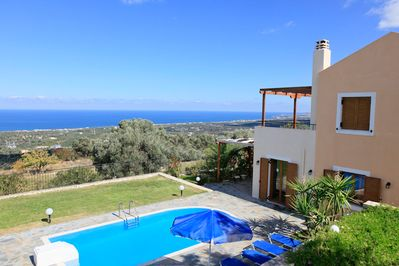Beautiful Villa with Private Pool, Terrace, Garden and Views