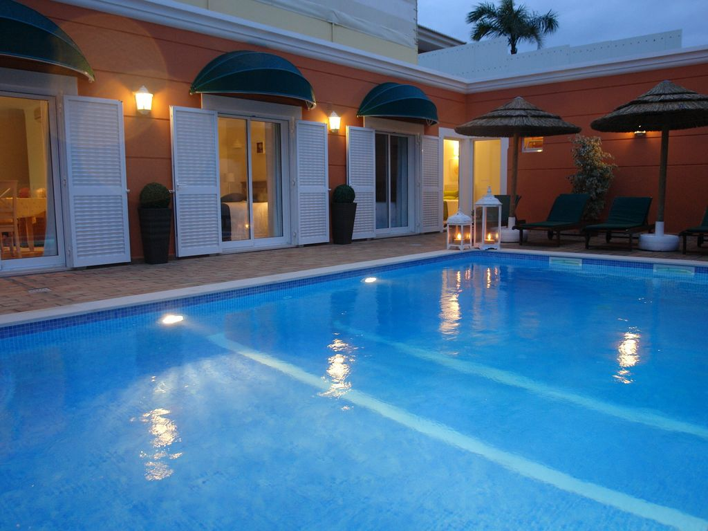 Wonderful House, private swimming pool and 10 minutes walk to the beach -  Alvor