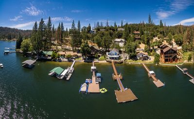 Photo for Bass Lake Lakefront cabin 20 minutes from the entrance to Yosemite National Park