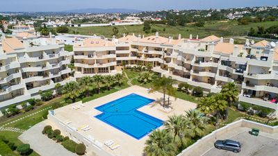 Photo for Spacious apartment, sea view, garden, large pool & Tennis courts, AC, free WiFi