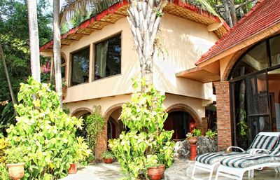Villa Exotica, the Sand and surf villa sits above the waves, great beach access.
