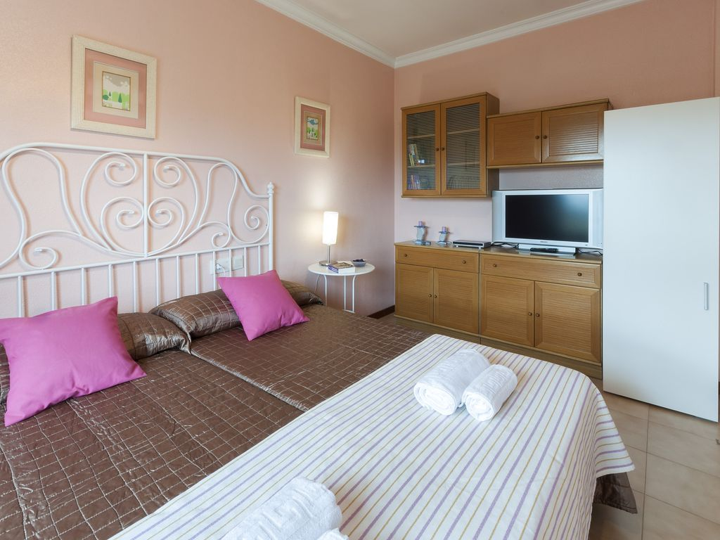 4 bedroom accommodation in Otos