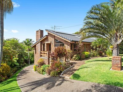 Photo for Walk to Shelly beach & Sea Acres. Amazing home. Meticiously presented.