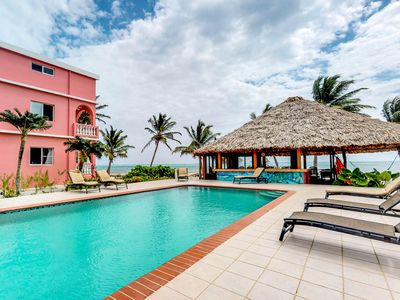 Photo for Casual oceanview condo with shared pool, beach and dock access