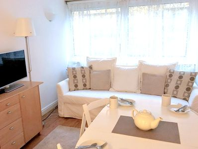 Good quality sofa/sofabed, TV, DVD, unlimited Netflix and wifi, blackout blinds