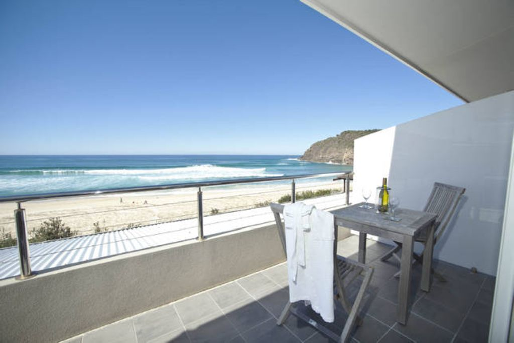 Azure on the beach 1, Top 10 Beach Front House.