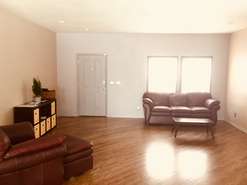 Huge House with Large Kitchen and Backyard, Perfect for Family ...