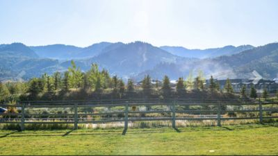 Photo for 2 Bedroom Condo walking distance to Cabriolet ski lift