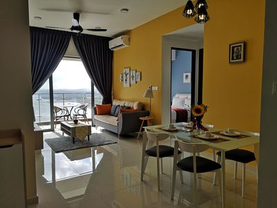 Photo for Super Seaview Family  Suites l Country Garden Danga Bay