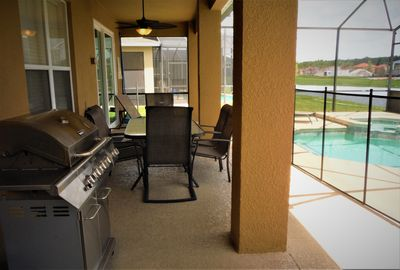 Large Lanai, Outdoor Dining and BBQ!!!