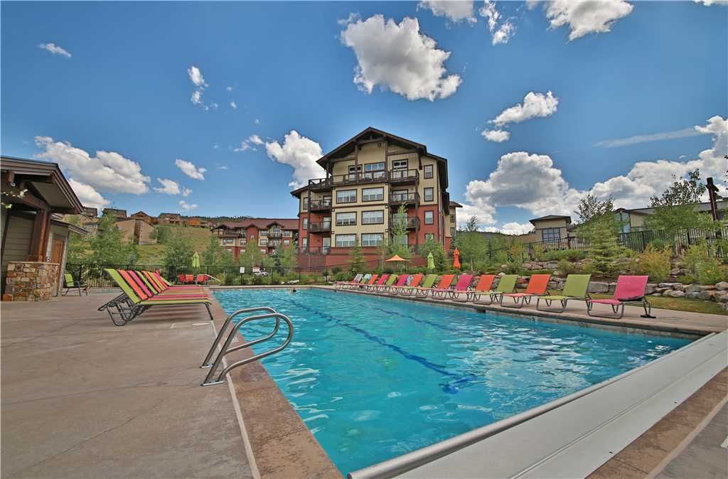 Excellent ski-in/ski-out condo with outstanding ski slope views and indoor parking