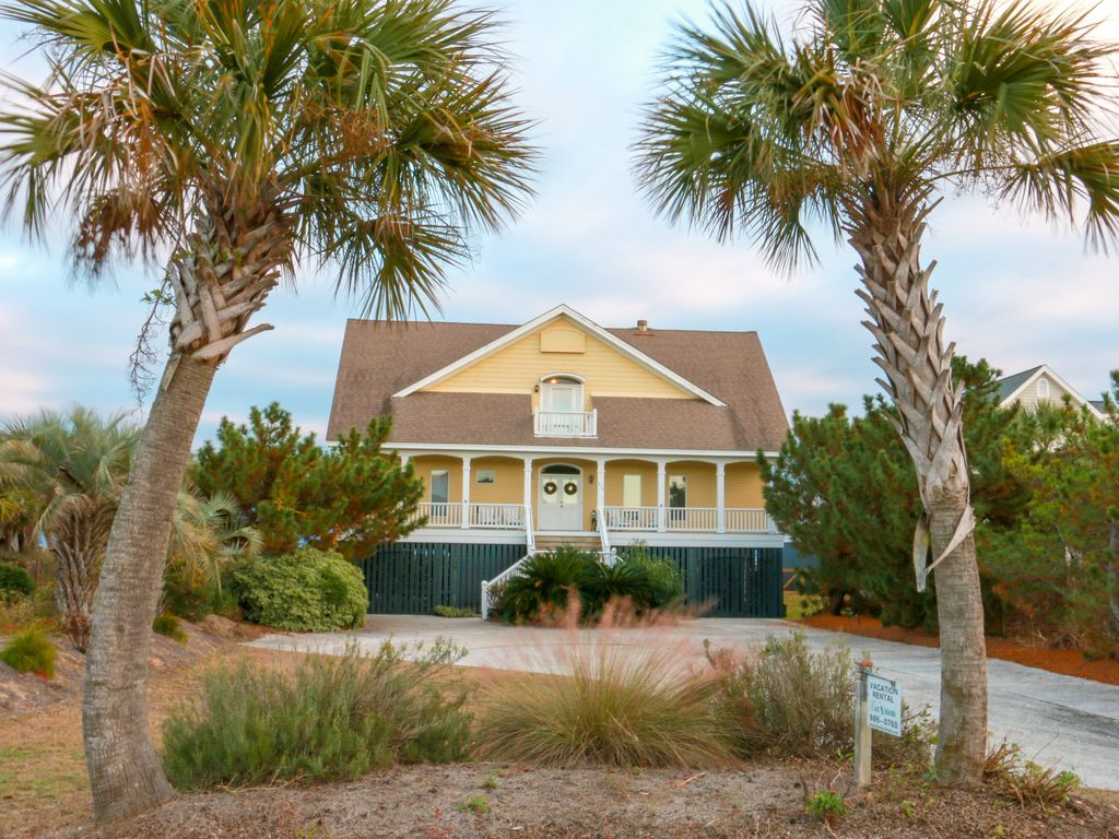 Beach House On Isle Of Palms Ocean Front Boardwalk To Elevator