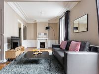 Exactly as described on Home and Away - an ideal apartment for a few nights in Paris