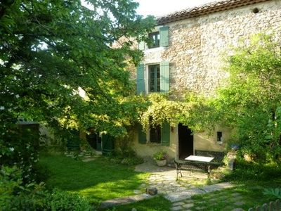 Photo for Authentic farmhouse in Provence in the vineyard of Gigondas with pool