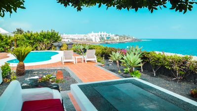 Photo for Fabulous Villa in an Unrivalled Frontline Location Close to Beach and Amenities.