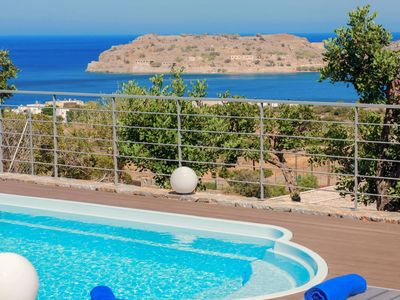 Photo for Wonderful private villa for 7 people with A/C, WIFI, private pool, TV, balcony and parking