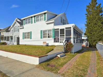 Photo for LINENS INCLUDED!!!**. REHOBOTH BEACH OCEAN BLOCK.  3 bedroom plus dorm style 2nd floor, 2 bath cottage.
