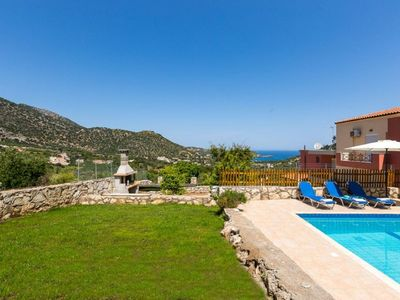 Photo for Wonderful private villa for 6 guests with A/C, WIFI, private pool, TV, balcony and parking