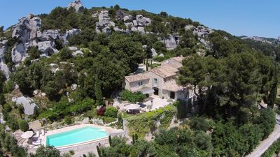 Photo for 6BR Villa Vacation Rental in Saint Rémy de Provence, Provence-Alpes-Côte d'Azur