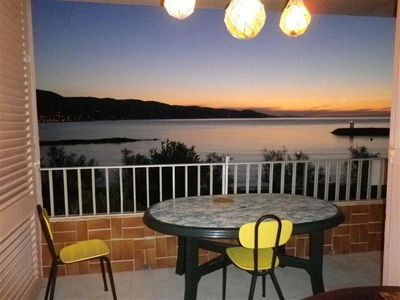 Photo for Charming T3 feet in the water, duplex, free Wifi, garage Le Lavandou