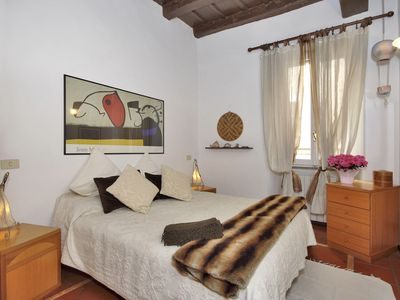 Photo for I Falegnami, elegant, quiet apartment in the Ghetto, the ancient heart of Rome!!