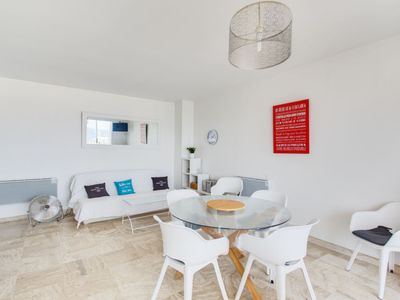 Photo for Apartment La Balancine in Hyères - 4 persons, 1 bedrooms
