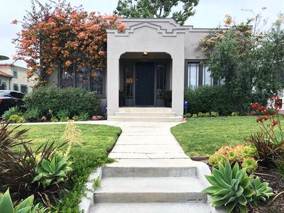 Photo for Fabulous, modern, well-appointed home centrally located in LA