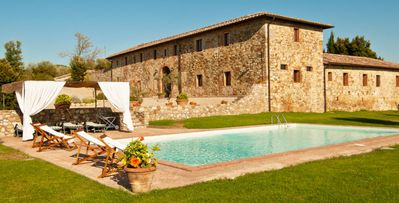 Photo for 6bd country villa in Chianti near Siena with pool and views