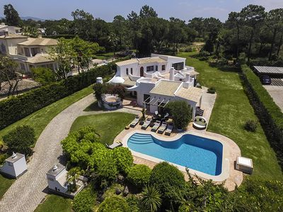 Photo for 3 bedroom Villa, sleeps 6 in Quinta do Lago with Pool and Air Con
