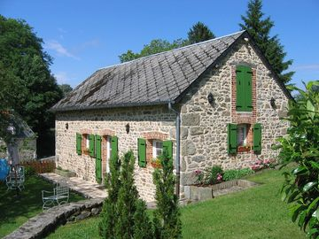 4 GITES of charm 4 **** - The meadow of the vergnes- fishing pond-hollow-limousin