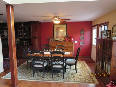 Dining room table seats for 6