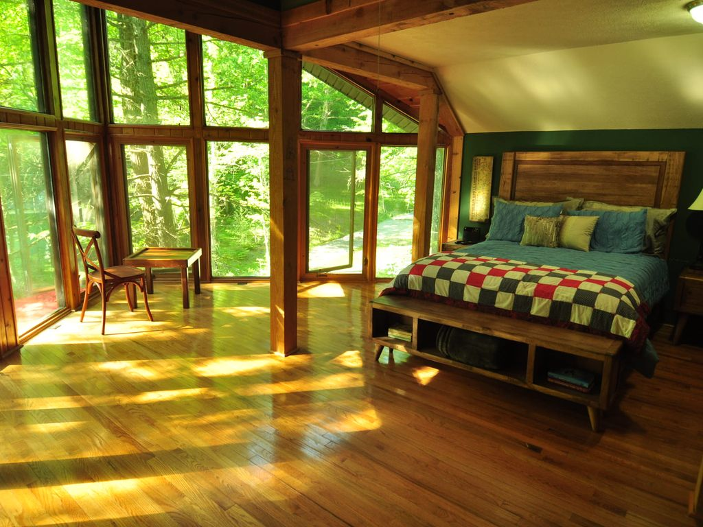 A Beautiiful And Cozy Cabin Located At Hungry Mother State