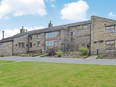 Photo for 10 bedroom accommodation in Askrigg