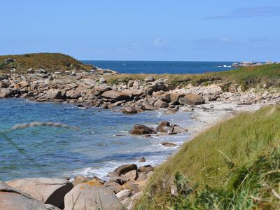 Photo for Immediate access to the BEACH! Between Trégastel and Trebeuden. Pink granite coast