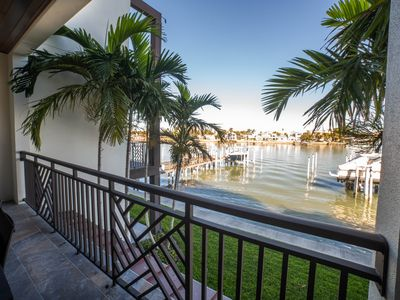 Photo for Luxury & Comfort 4-story Townhome w/Elevator/Boat Slip/ Pool/ Sleeps 10